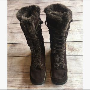 Sketchers- Suede Winter Boots